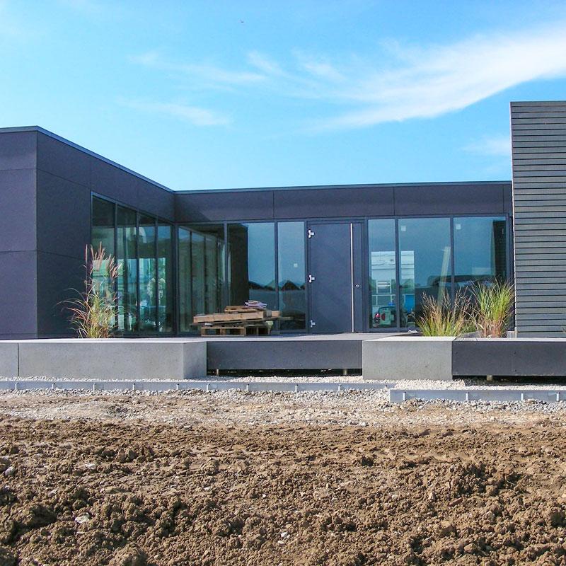 Hallenbau mit dem Schraubfundament der Deutschen Fundamentbau Gesellschaft