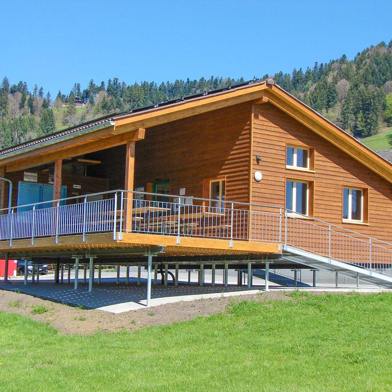 Holzbau und Hausbau mit dem Schraubfundament der Deutschen Fundamentbau Gesellschaft